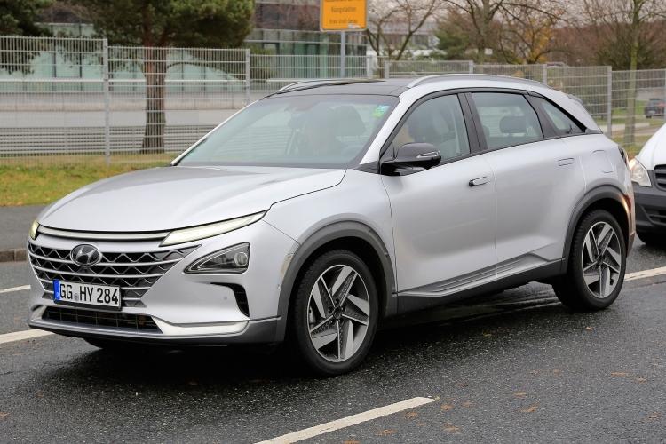 Водородный кроссовер Hyundai Nexo получил караоке и новый автопилот