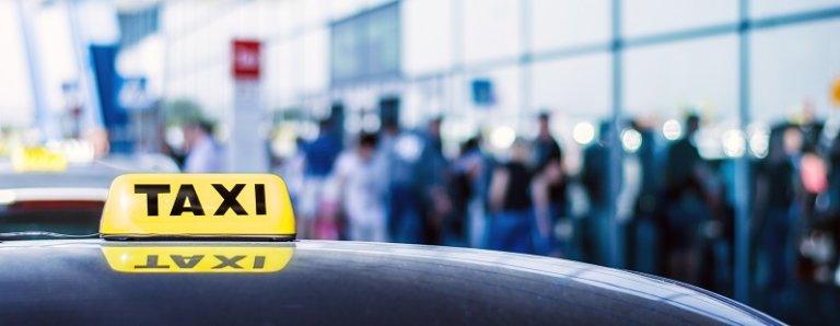 Что лучше: суточная стоянка в Шереметьево или такси?