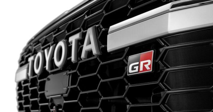 Toyota Land Cruiser 300 получил в России особую версию GR Sport