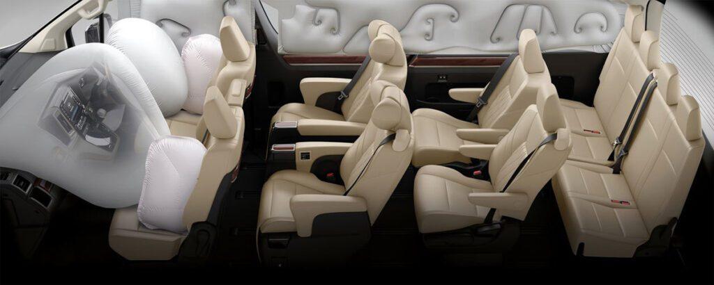 Toyota представила новый 10-местный минивэн Majesty