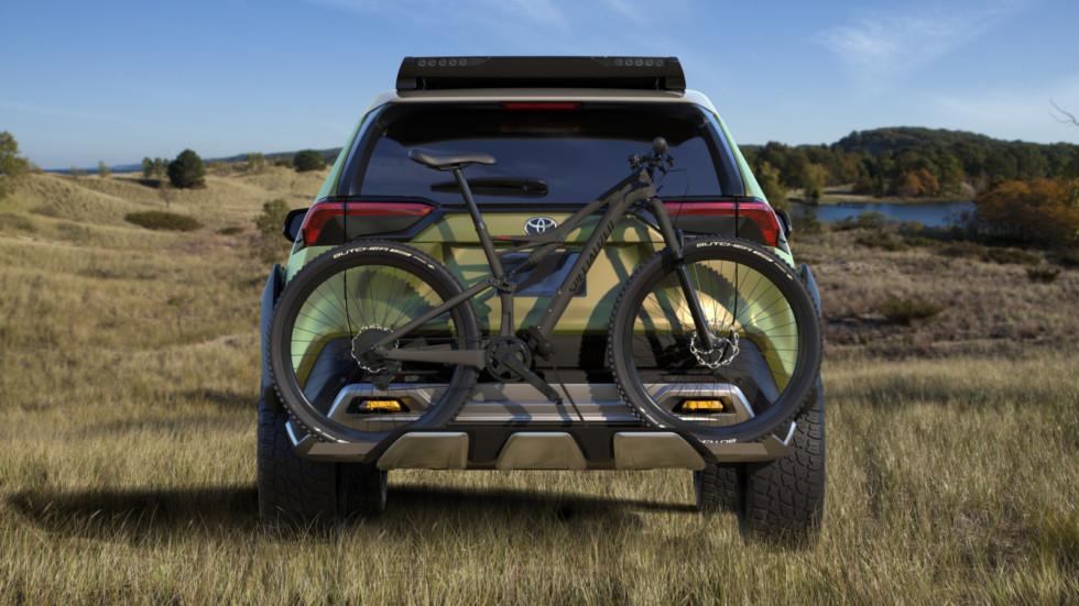 Toyota представила внедорожник Toyota FT-AC со съёмными фарами