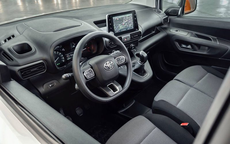 Toyota представила новый Toyota ProAce City