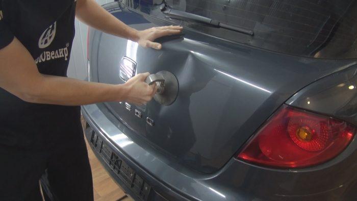Как сделать ремонт вмятин у автомобиля?