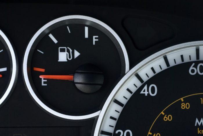 Датчики уровня топлива и качества вождения