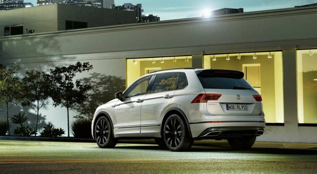 Volkswagen показал новую версию кроссовера Tiguan с пакетом Black R-Line