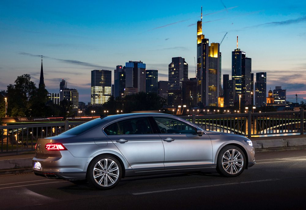 Volkswagen рассекретила новый Passat для РФ