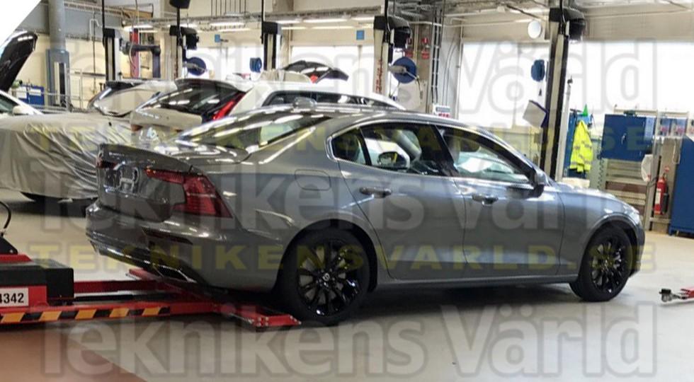 В Сети опубликовали фото нового бизнес-седана Volvo S60