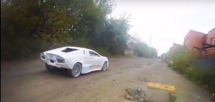 Умельцы переделали ВАЗ-2108 в суперкар Lamborghini