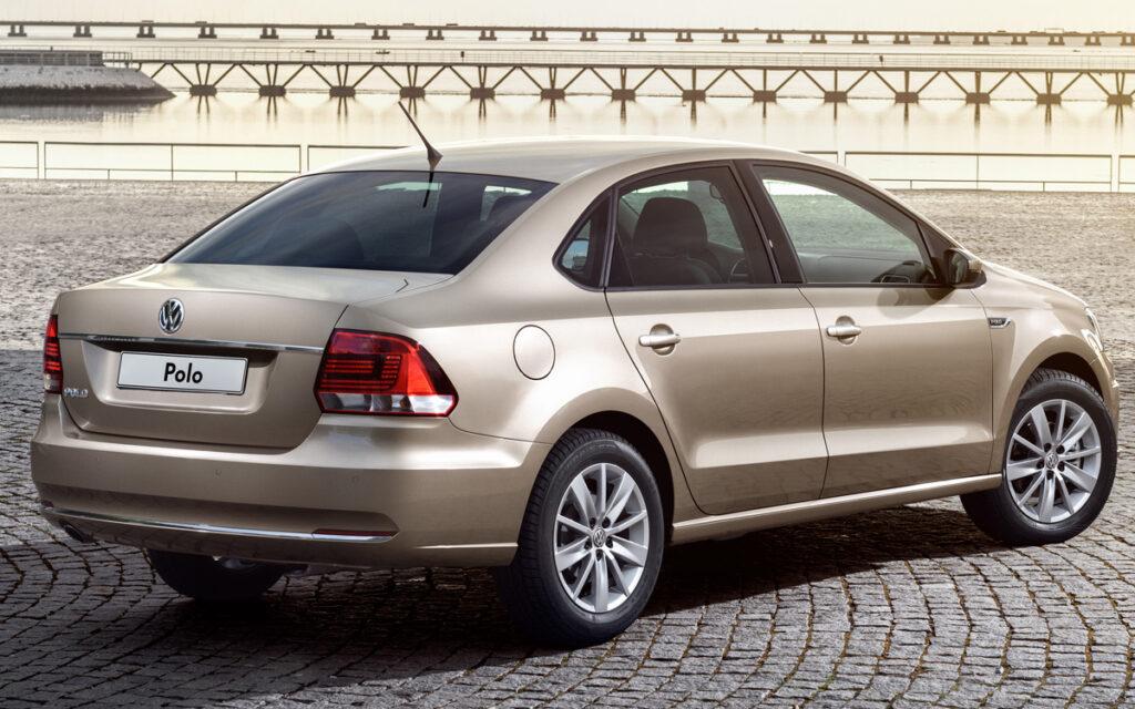 Volkswagen отправит на ремонт в России более 30 тыс. седанов Polo Sedan