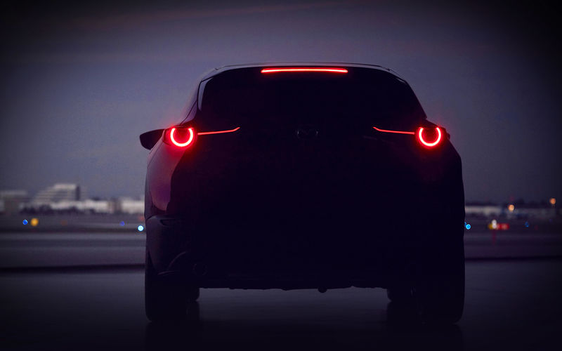 Mazda анонсировала премьеру нового компактного кроссовера