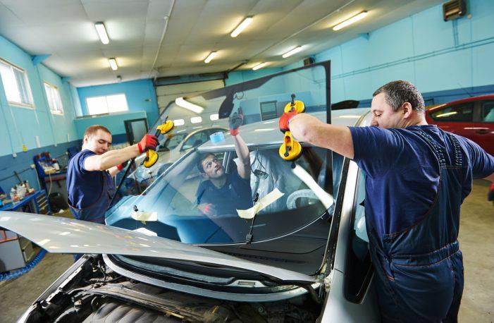 Правильная замена лобового стекла автомобиля
